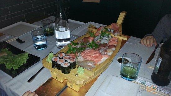 Il vascello di sushi grande!