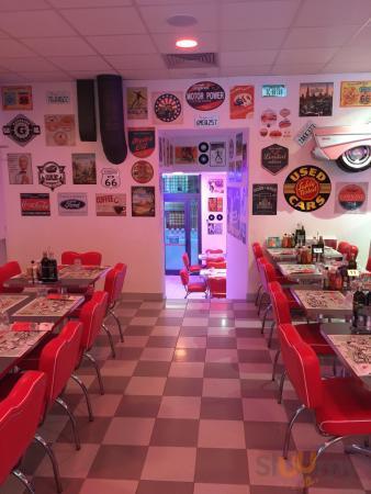America Graffiti Diner Restaurant - Piazza Malpighi
