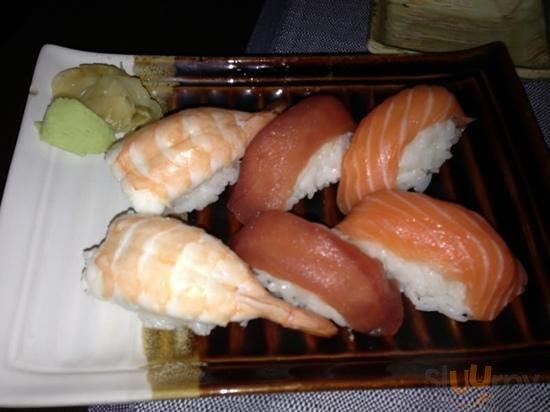 salmone gamberi tonno\r\n