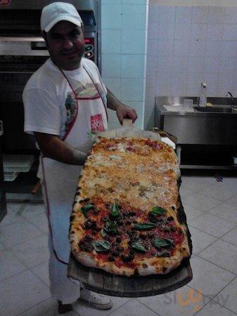 Pizzeria DA Salvatore MA TU Vuliv a Pizz