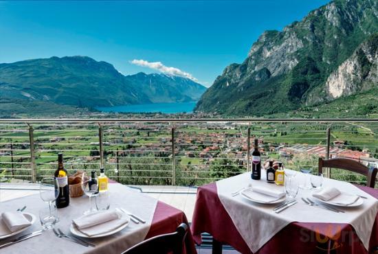 La vista dal ristorante acetaia