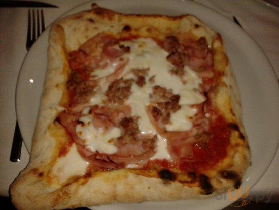 Pizza lasagna......spazzolata tutta. MITICA !!!