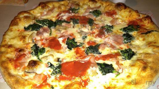 Salsa Caliente Pizzeria