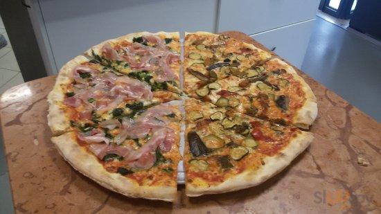 maxi pizza farcita