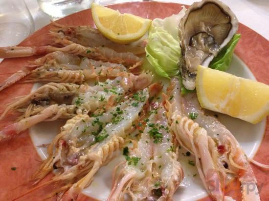 crudo di pesce (scampi e ostriche)