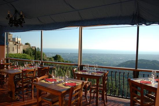 Le Tre Terrazze a Monteggiori - Menù, prezzi, recensioni del ristorante