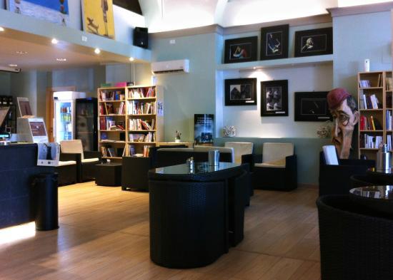Luccalibri Libreria Caffe Letterario, Lucca