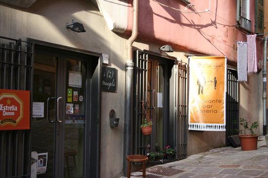 I 2 Truogoli, Genova