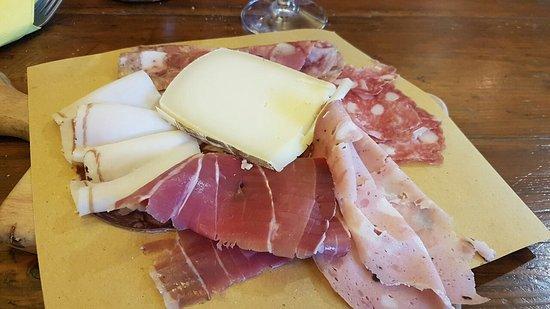 La Bottega Di Lucca Vino & Sfizi, Lucca