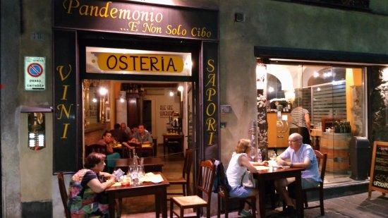 Pandemonio, Genova