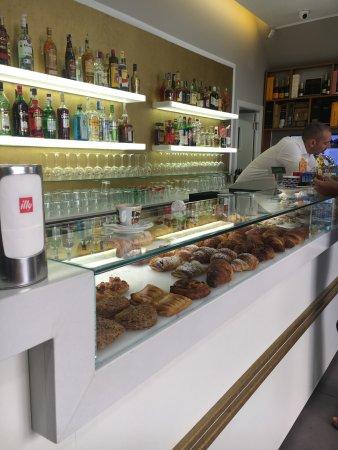 Hb Cafè, Genova