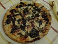 Pizzeria Mariposa, Gello
