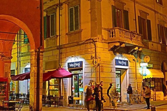 Viavai Cafe, Pisa