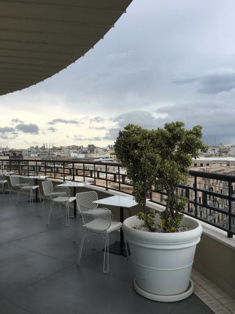 Polvere Di Stelle, Bari