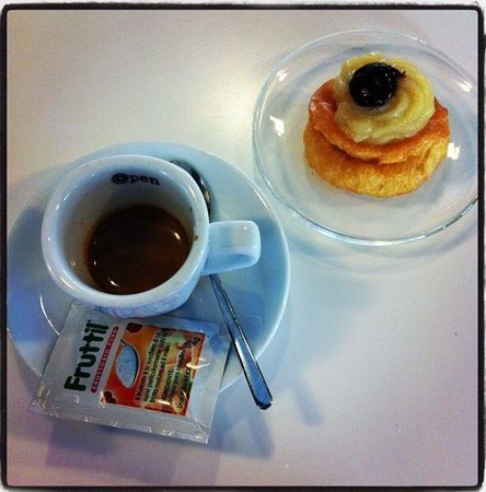 Open Cafe, Bari