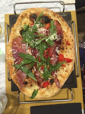 Vulkania Fire E Stone Neapolitan Pizza, Bari