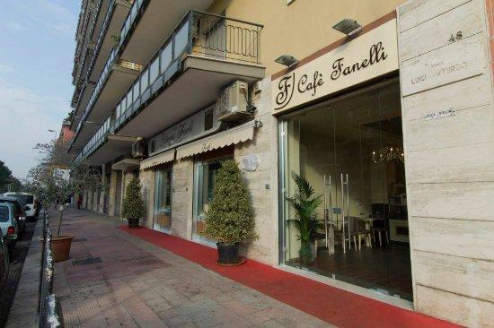Pasticceria Cafè Fanelli (unica Sede), Bari