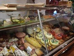 Bar Frosini, Chiusdino