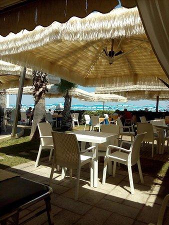 Chaler Ristorantino Saari Beach, Grottammare