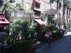 Donna Margherita, Napoli