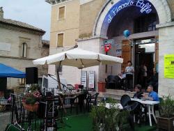 Al Piccolo Caffe, Monterubbiano