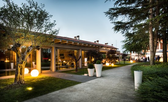Ca' Restaurant & Resort, Novara