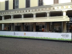 Brace Bar, Novara