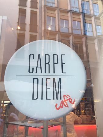 Carpe Diem Cafe, Novara