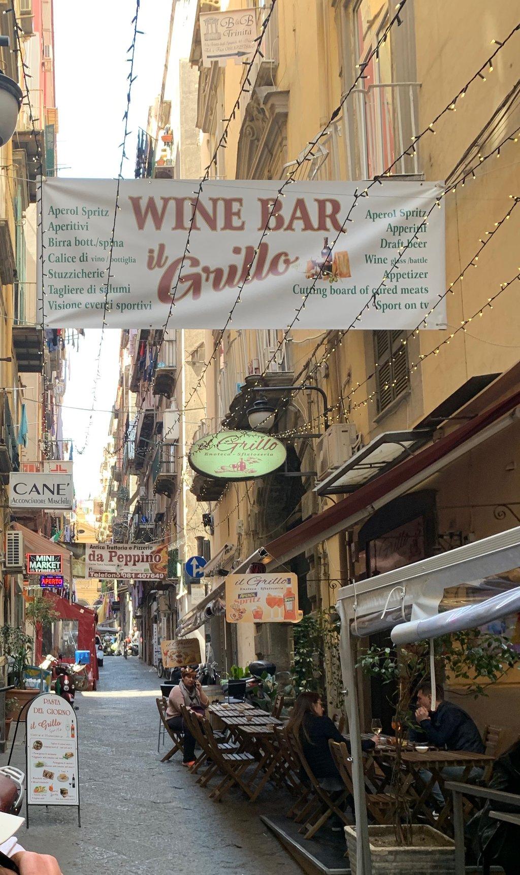 Il Grillo, Napoli