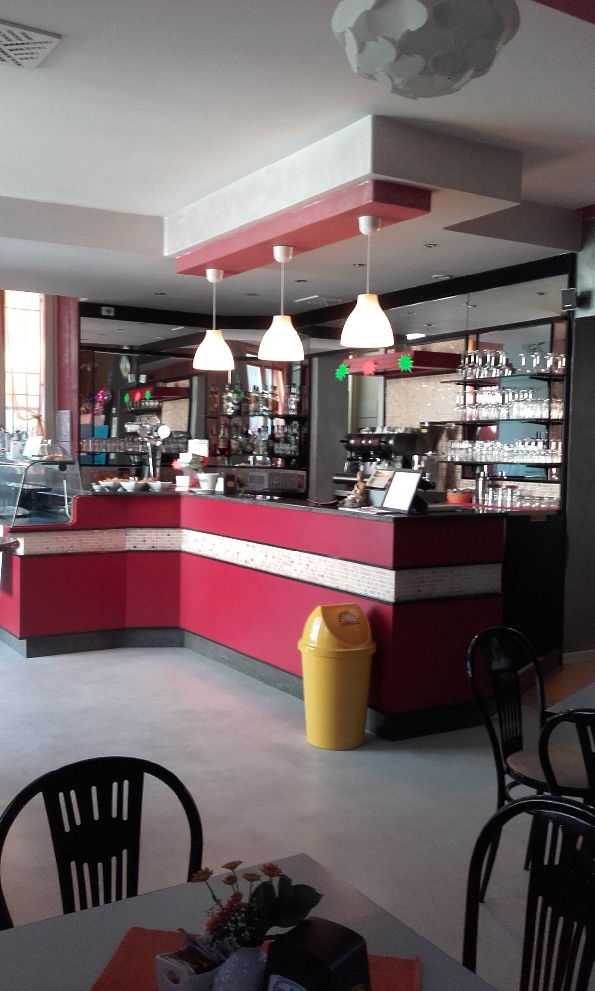 Shanti Cafe, Asola
