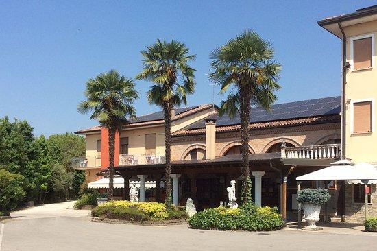 Albergo Ristorante Al Leone, Villa del Conte