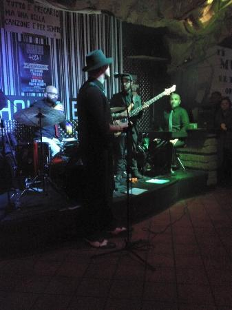 Black House Blues, Avellino