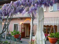 Viver One Restaurant & Pizza, Viverone