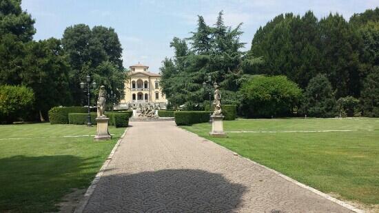 Villa San Michele, Ripalta Cremasca