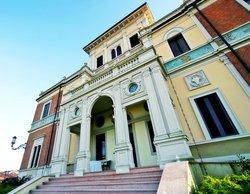 Villa Belussi, Corte de' Cortesi con Cignone