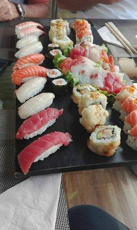 Meì Soulful Sushi, Crema
