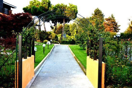 Villa Del Lago, Agnadello
