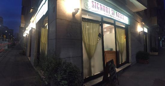 Signori Si Nasce, Milano