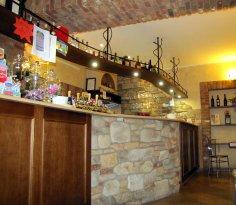 Old Caffe, Santa Maria Hoe