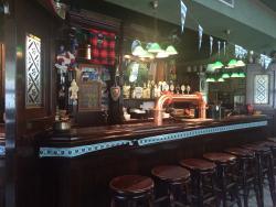 One Way Pub, Primaluna