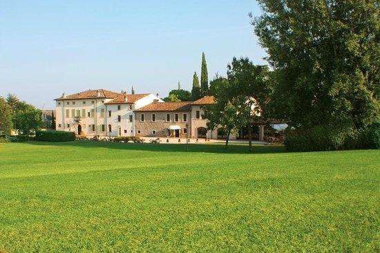 Villa Conti Cipolla, Monzambano