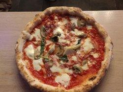 Napoli Nel Cuore Trattoria Pizzeria, Napoli