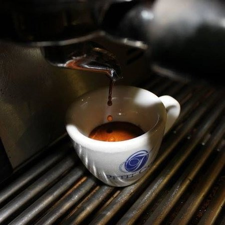 Petit Cafè, Acerra