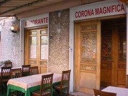 Corona Magnifica, Roma