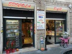 Bar Edicola, Roma