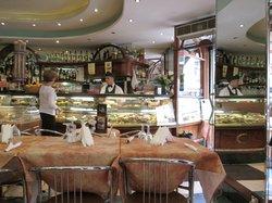 Bar Tritone, Roma