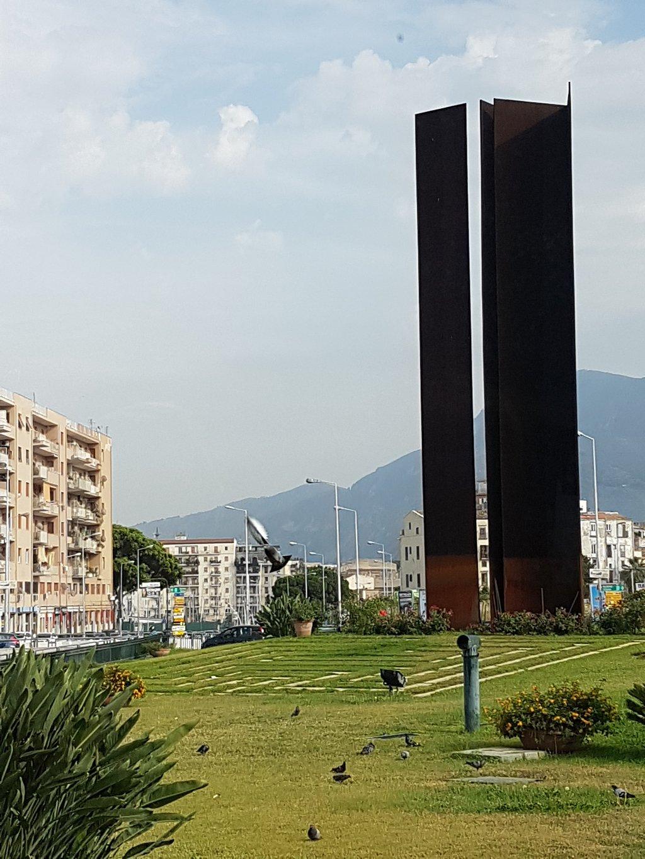 Monumento Ai Caduti Nella Lotta Contro La Mafia