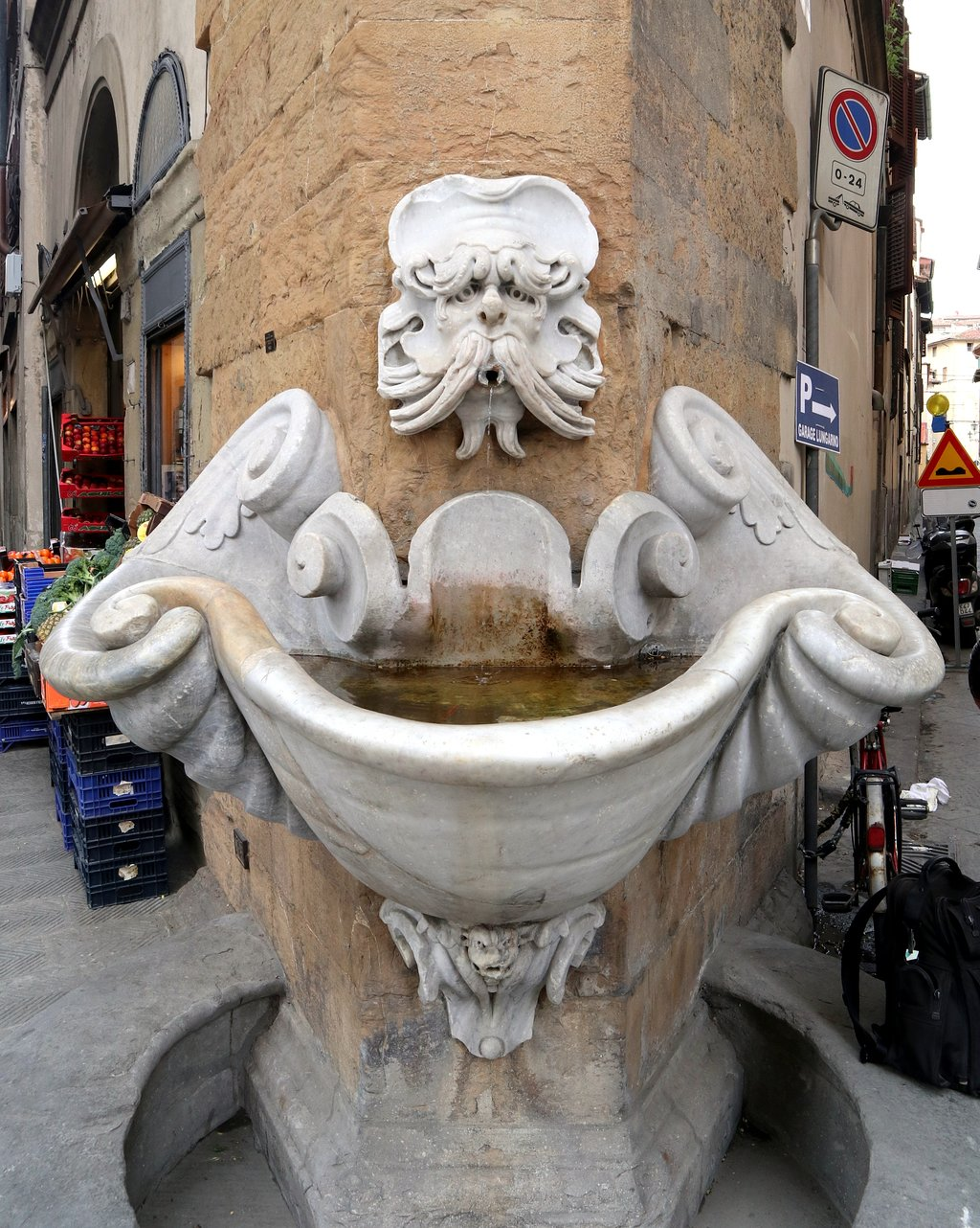 Fontana dello Sprone