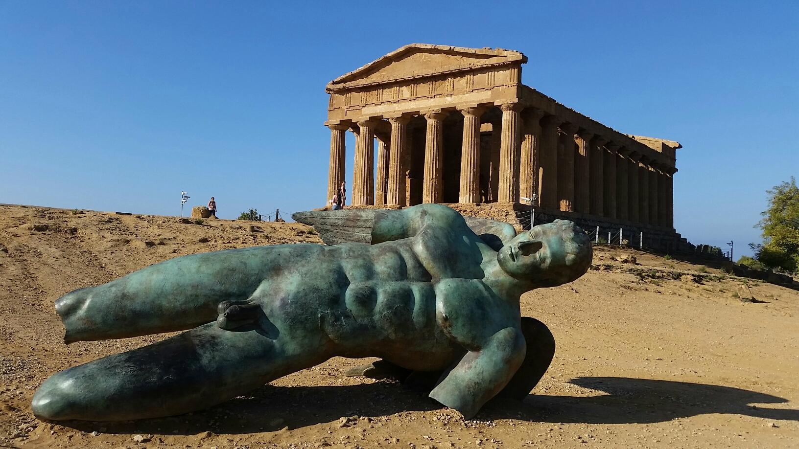 Statua di Icaro caduto