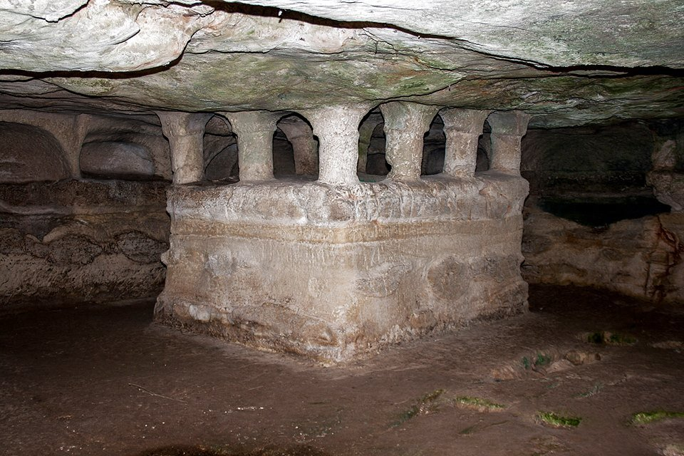 Grotta Delle Trabacche